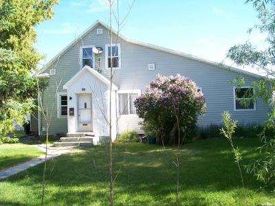 Single Family Home For Sale: 922 Hays St