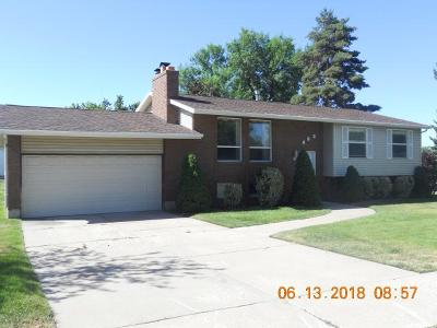 Layton Single Family Home For Sale: 932 E 150 S
