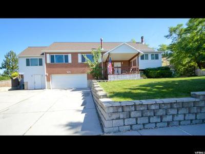 Sandy Single Family Home For Sale: 9070 S Sunrise Cir