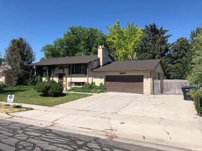 West Jordan Single Family Home For Sale: 6854 S Lexington Dr