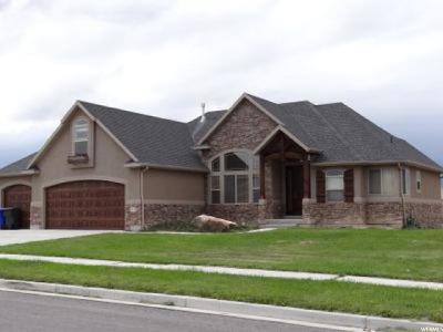 Grantsville Single Family Home For Sale: 352 S Ginny Cir