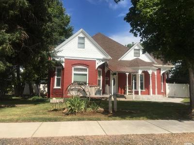 Single Family Home For Sale: 190 N Main St