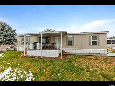 Davis County Single Family Home For Sale: 37 Sunset Dr