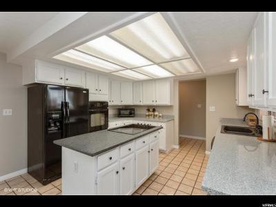 Davis County Single Family Home For Sale: 2987 S 150 E