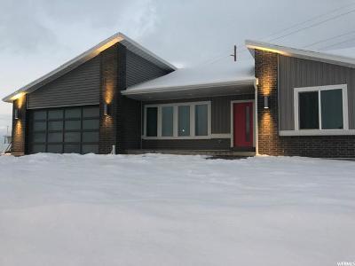 Hyrum Single Family Home For Sale: 1473 E 185 S