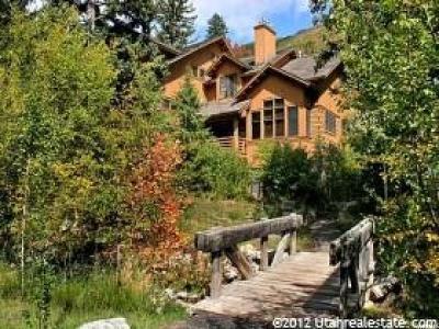 Utah County Condo For Sale: 8841 N Alpine Loop Rd #8