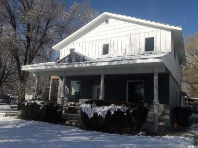 Centerville Single Family Home For Sale: 323 E 400 S