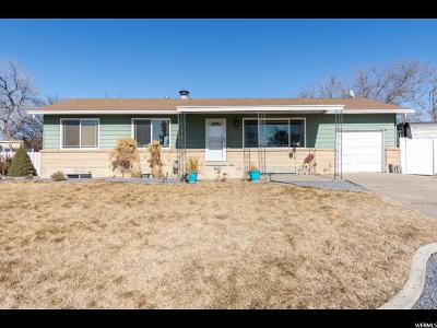 Layton Single Family Home For Sale: 1464 W 1920 N