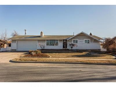 Clearfield Single Family Home For Sale: 1223 E 1100 S