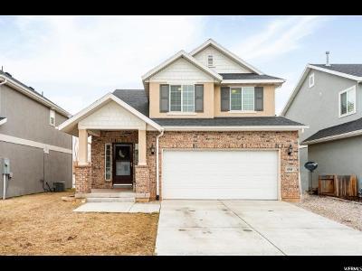Davis County Single Family Home For Sale: 698 W 1045 N
