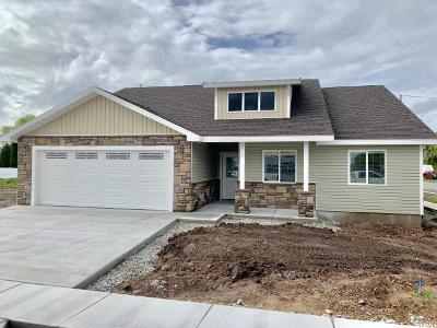 Preston Single Family Home For Sale: 310 E 260 N