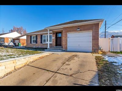 Kaysville Single Family Home For Sale: 400 N 100 E