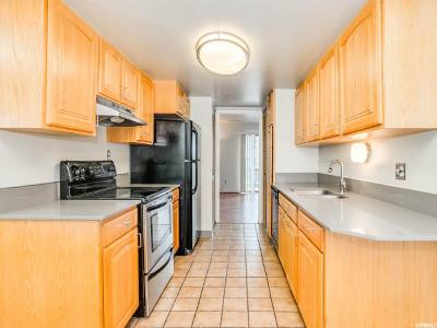 Salt Lake County Condo For Sale: 4730 S Woodduck Ln