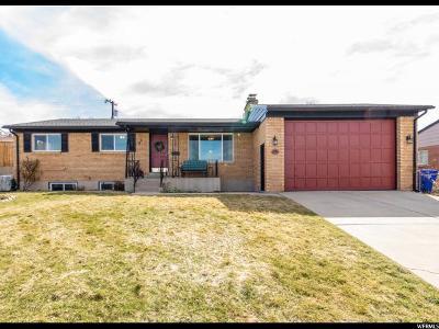 Davis County Single Family Home For Sale: 1953 S Davis Blvd E