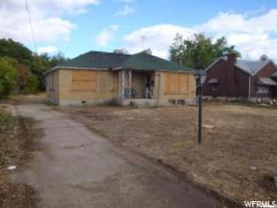 Roy Single Family Home For Sale: 5878 S 1900 W
