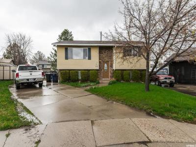 Davis County Single Family Home For Sale: 348 W 2400 S