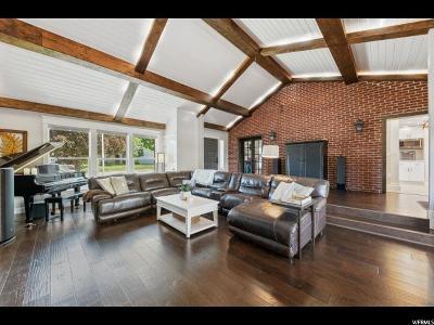 Centerville Single Family Home For Sale: 490 E 400 S