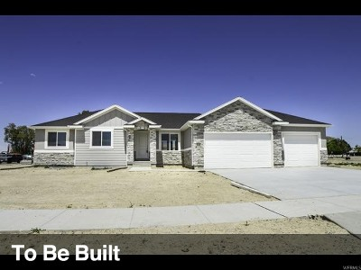 Tooele County Single Family Home For Sale: 678 S Hackamore Rd #831