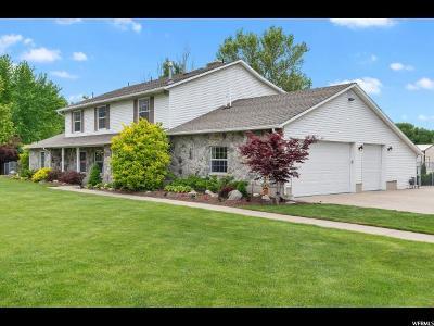 Davis County Single Family Home For Sale: 1051 W 400 N
