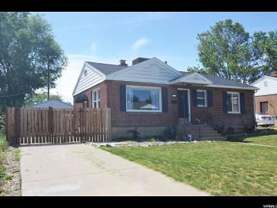 Davis County Single Family Home For Sale: 372 S 700 E