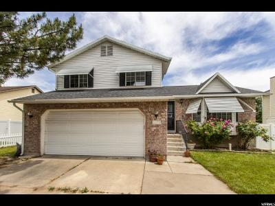 Davis County Single Family Home For Sale: 1078 N 75 W
