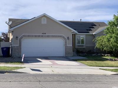 Herriman Single Family Home For Sale: 14258 S Crown Rose Dr W