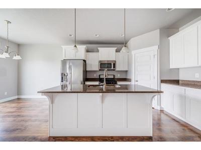 Orem Townhouse For Sale: 2078 W Fairway Ln