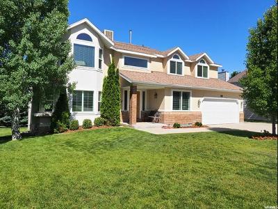 Sandy Single Family Home For Sale: 10042 S Lindsay Wood Ln E