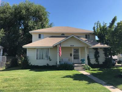 Clearfield Single Family Home For Sale: 614 E 1000 S