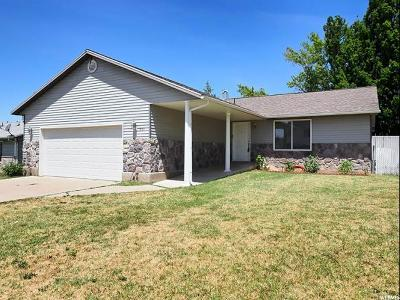 Clearfield Single Family Home For Sale: 661 E 950 S