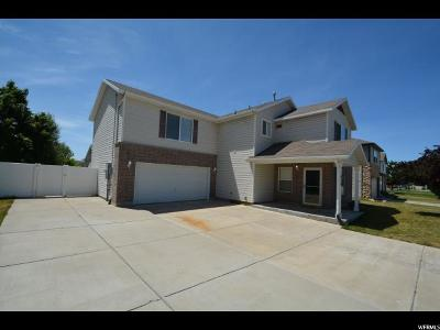 Clearfield Single Family Home For Sale: 626 E 2000 S