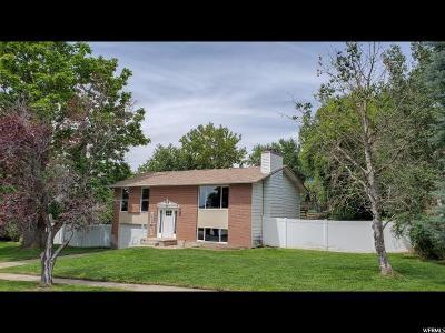 Farmington Single Family Home Under Contract: 95 E Continental Dr