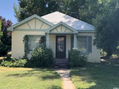 Davis County Single Family Home For Sale: 859 W 2300 N