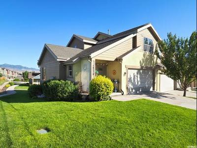 Herriman Townhouse For Sale: 14572 S Pebble Rose Dr