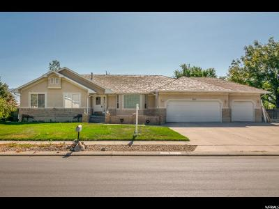 South Jordan Single Family Home For Sale: 2241 W Canterwood S