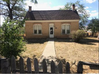 Single Family Home For Sale: 405 N State St
