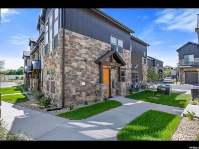 Sandy Townhouse For Sale: 10477 S Crimson Sage Ln