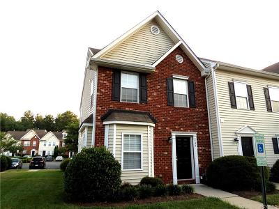 Condo/Townhouse Sold: 424 Westover Pines Drive #424