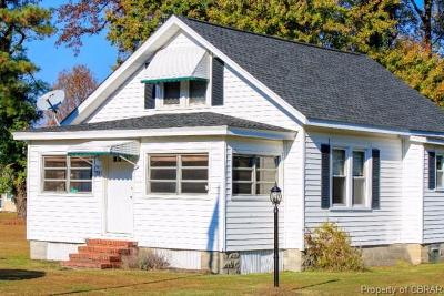 Single Family Home Sold: 55 Summers Lane