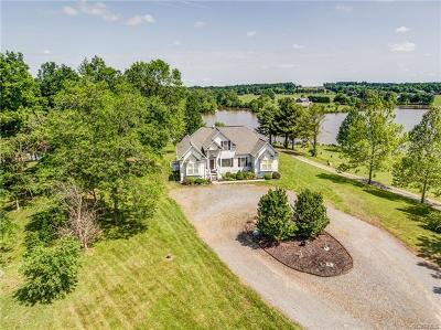 Louisa Single Family Home For Sale: 2561 Peach Grove Road