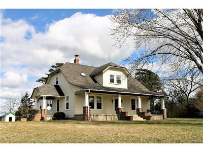 Blackstone VA Single Family Home For Sale: $325,000