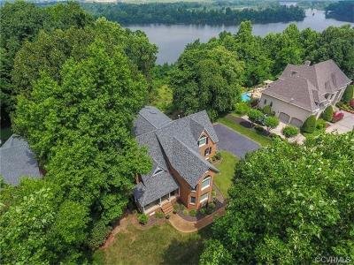 Chesterfield County Single Family Home For Sale: 206 Rivers Bend Circle
