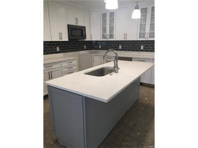 Single Family Home For Sale: 2107 Cedar Street