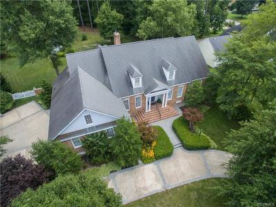 Colonial Heights Single Family Home For Sale: 225 Comstock Drive