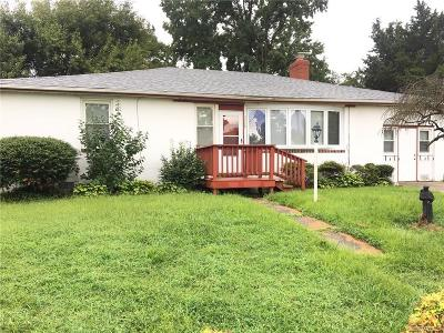 Hopewell VA Single Family Home For Sale: $74,500