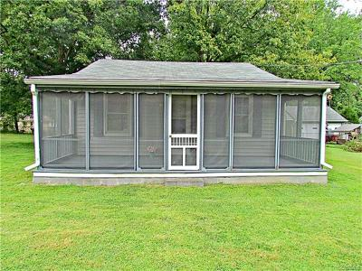 Chesterfield VA Single Family Home For Sale: $135,000