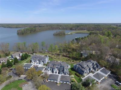 Midlothian Condo/Townhouse For Sale: 29 Spinnaker Cove Drive #29