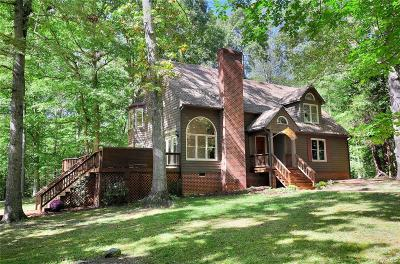 Powhatan County Single Family Home For Sale: 4071 Foxrun Road