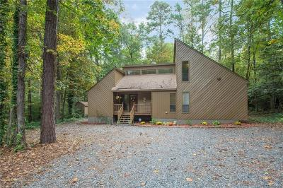 Chesterfield VA Single Family Home For Sale: $255,000