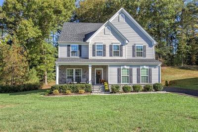 South Chesterfield Single Family Home For Sale: 1418 Quiet Forest Lane